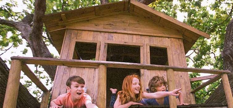 Vyrobte dětem domek na stromě